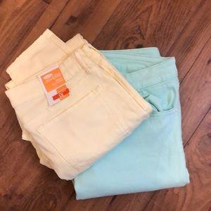 Pair of Old Navy skinny jeans